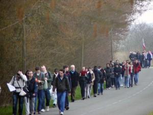 pélé chartres marche sur route